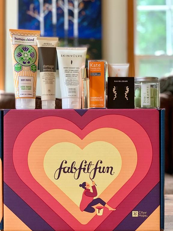 FabFitFun is a subscription box with full-size fashion, beauty, fitness and lifestyle products. Here's our unboxing! #fabfitfun #fabfitfunpartner @fabfitfun