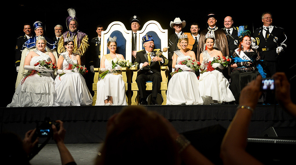 . People snap photos of this year\'s royal family at the 128th St. Paul Winter Carnival Royal Coronation on Friday, January 24, 2014.  (Pioneer Press: Ben Garvin)