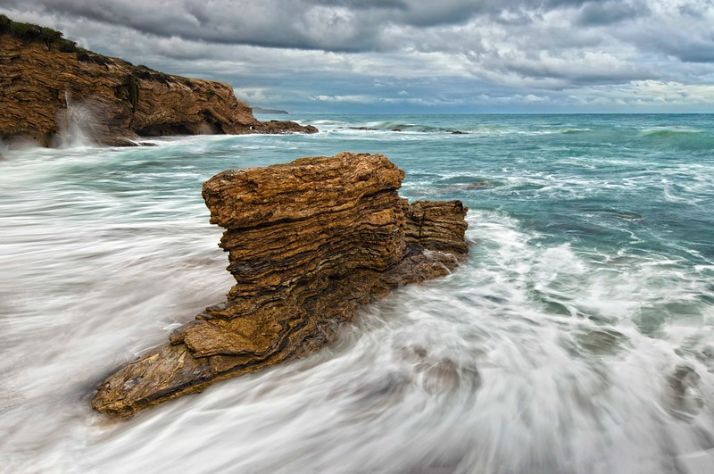 Cameo Shores_Monument Rock-3.jpg