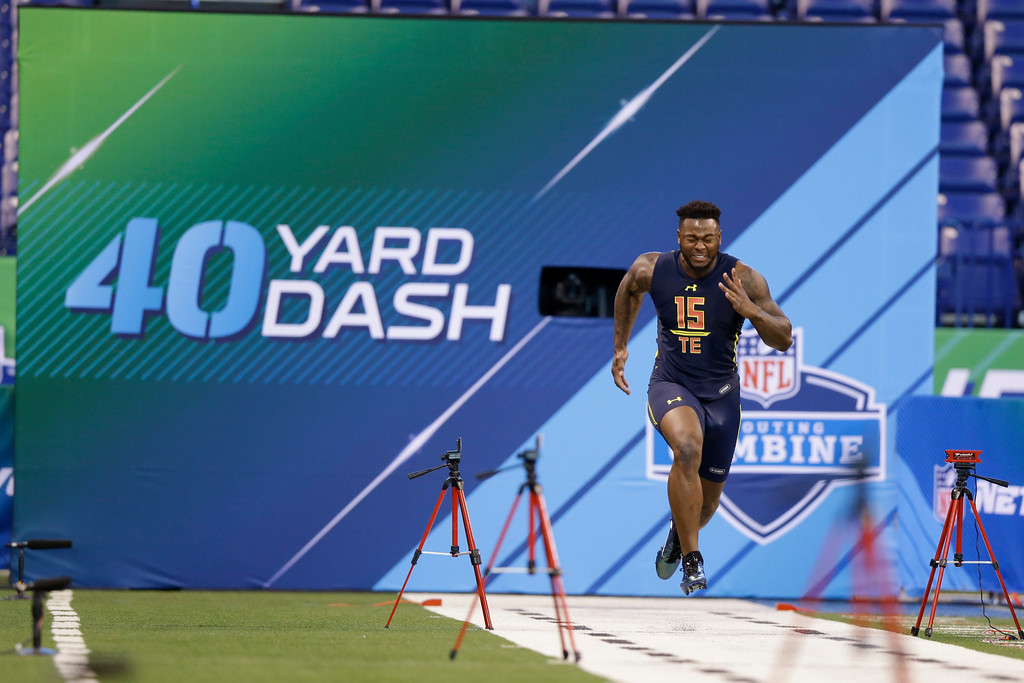 . Toledo tight end Michael Roberts runs the 40-yard dash at the NFL football scouting combine in Indianapolis, Saturday, March 4, 2017. (AP Photo/Michael Conroy)