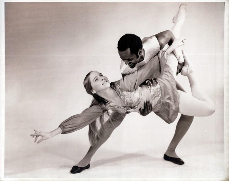 Dance_1140_a.jpg