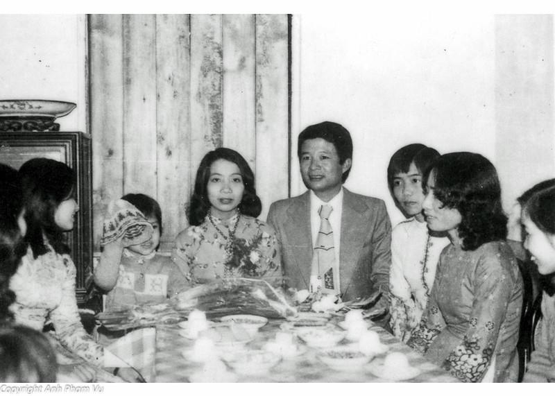 Wedding Parents 1979 03.jpg