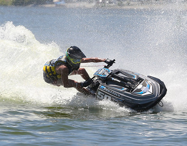 Lake Elsinore RPM  Saturday Jet ski race