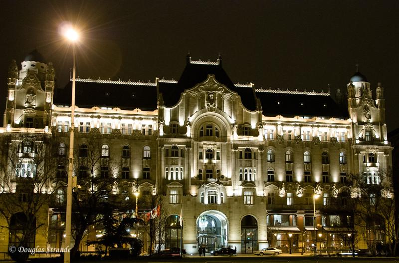 Four Seasons Hotel near the Chain Bridge, Budapest, at night