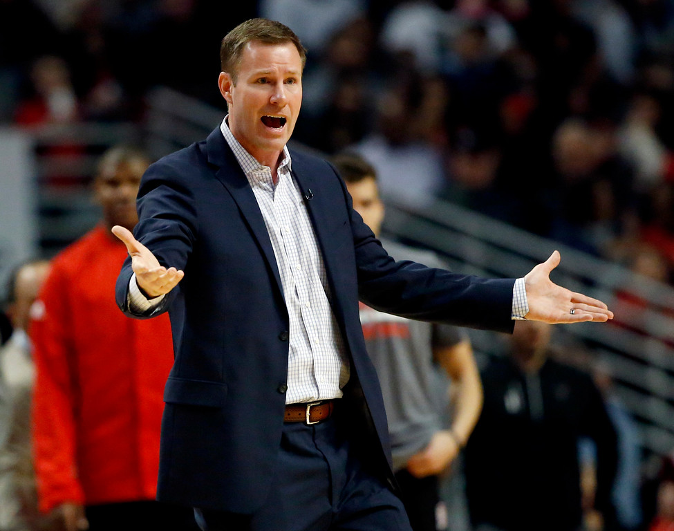 . Chicago Bulls coach Fred Hoiberg argues a call with a game official during the first half of the team\'s NBA basketball game against the Cleveland Cavaliers on Friday, Dec. 2, 2016, in Chicago. (AP Photo/Nam Y. Huh)