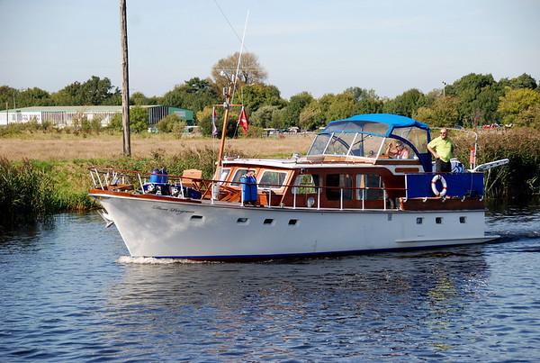 2009-09-11 Dom Perignon heads to Ferryhaven