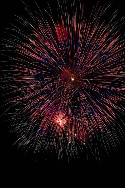 Fireworks at Burlington Waterfront - 18.jpg