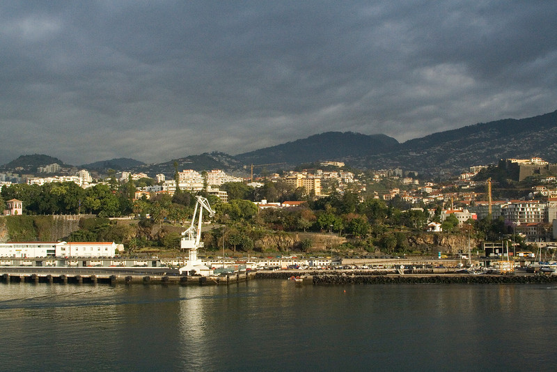 Sunrise at Funchal 2.jpg