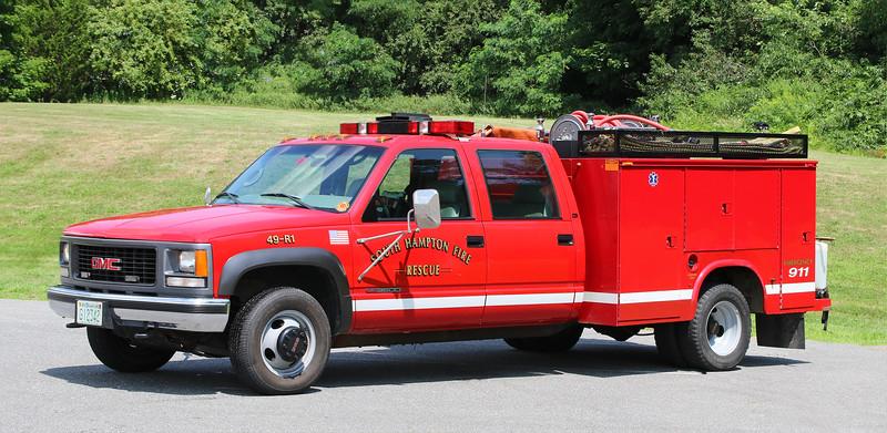 Rescue 1.  2000 GMC 3500 / Knapheide.  (Old Mirrors)