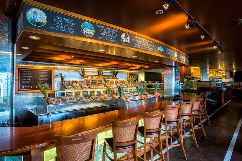 Pratt_Elliotts_Oyster_Bar_003.jpg