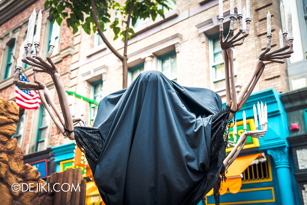 Universal Studios Singapore - Halloween Horror Nights 6 Before Dark Day Photo Report 3 - March of the Dead scare zone / skeleton candles