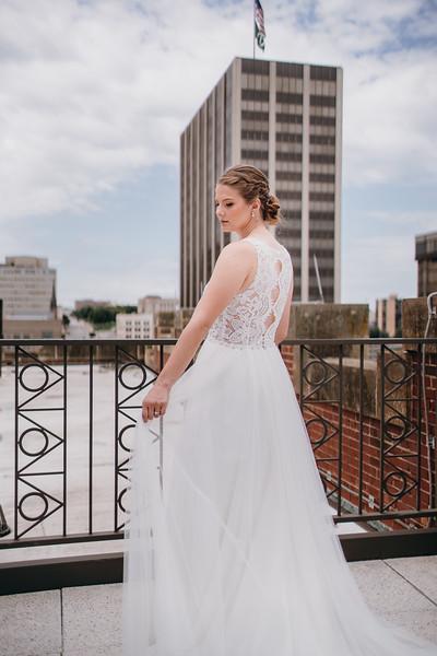 [Bridal Prep] Liz-Dylan-26.jpg