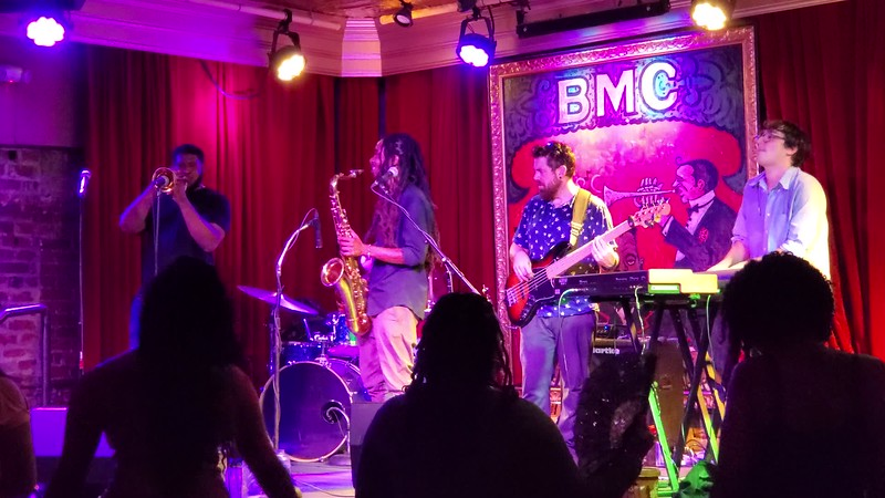 20190613 New Orleans Phone Live Music Videos 011.MP4