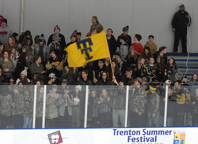 HS - Trenton Woodhaven Hockey 19