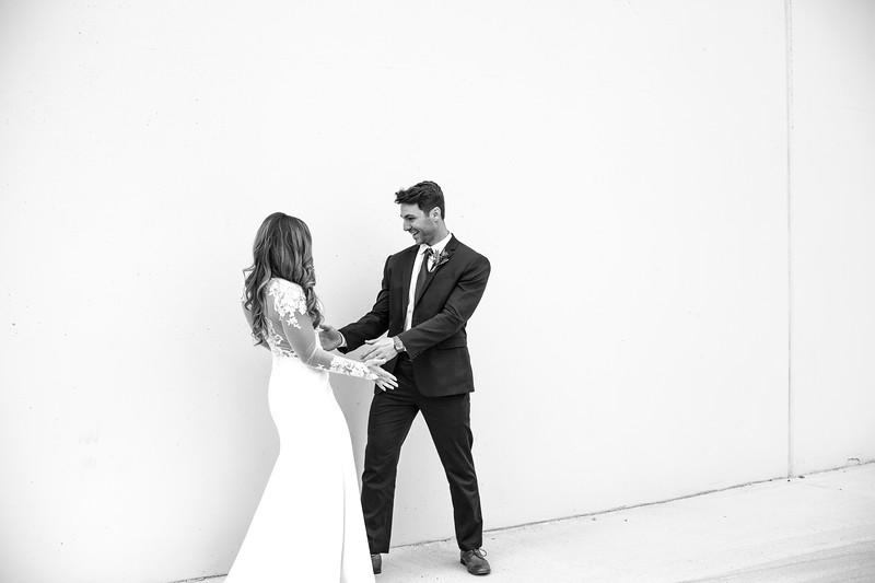 Kate&Josh_B&W_ZACH.WATHEN.PHOTOGRAPHER-196.jpg