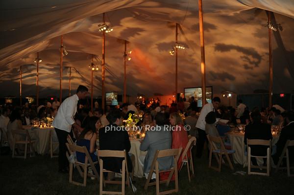 atmosphere photo by Rob Rich/SocietyAllure.com © 2014 robwayne1@aol.com 516-676-3939