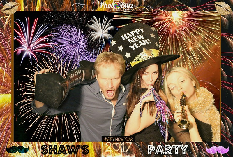 Shaws NYDay Party (19).jpg