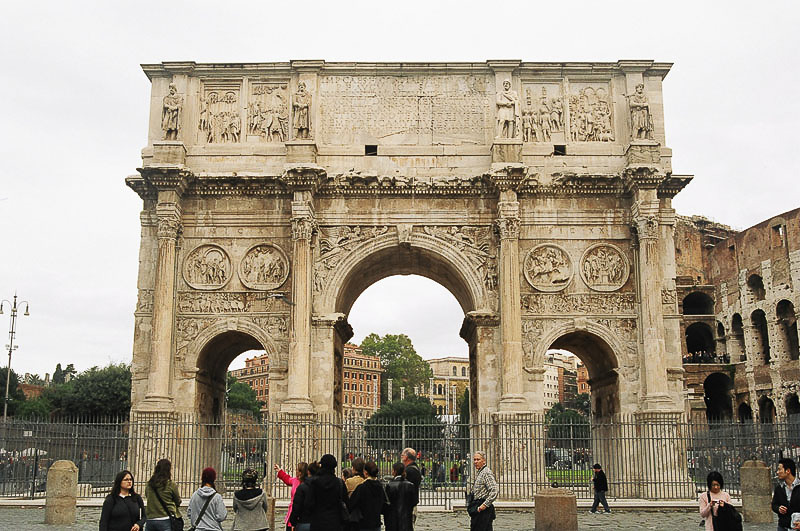 Saturday_Arch_of_Constantine_Front_On