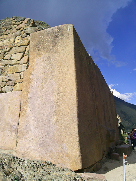 Дорогой инков. Ольянтайтамбо стена храма Солнца