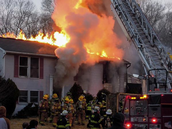 Glenwood Court Fire - Wdby Hts 2012