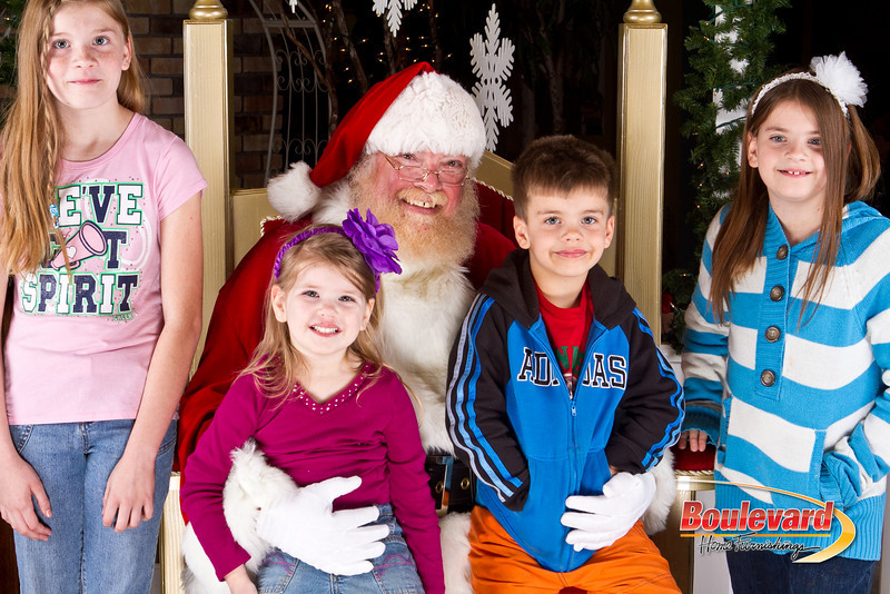 Santa Dec 8-128.jpg