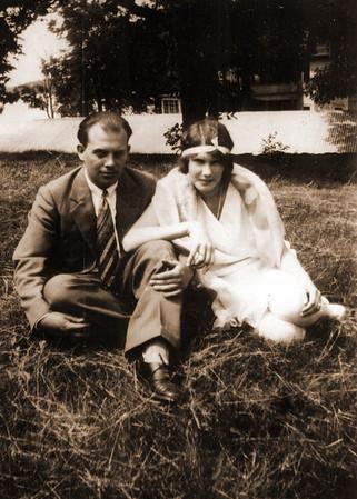 Rasmussen, Laura (Earl Sackett) 1908-2000