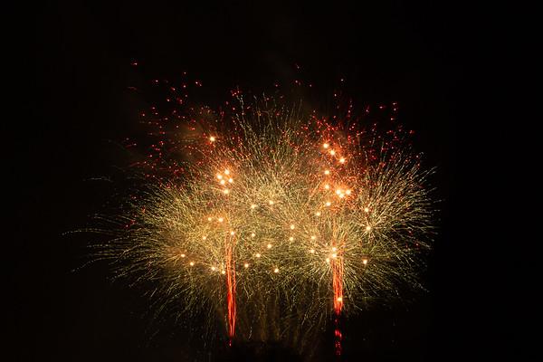 2018 - Dunorlan Park Fireworks 001_