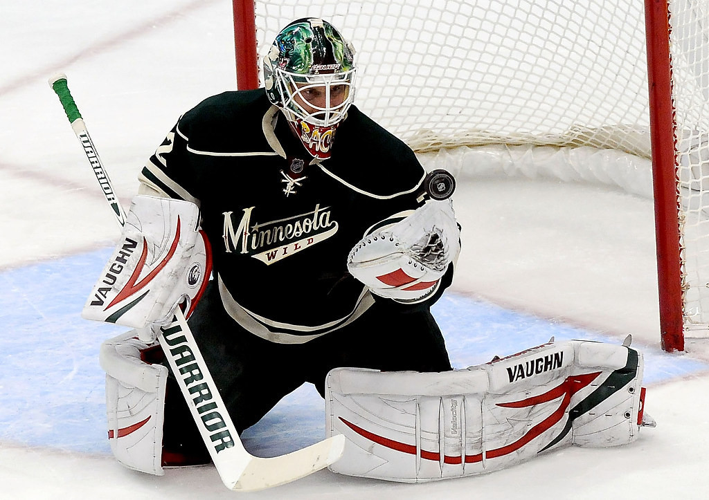 . Minnesota Wild goalie Niklas Backstrom deflects a puck during the first period. (Pioneer Press: Sherri LaRose-Chiglo)