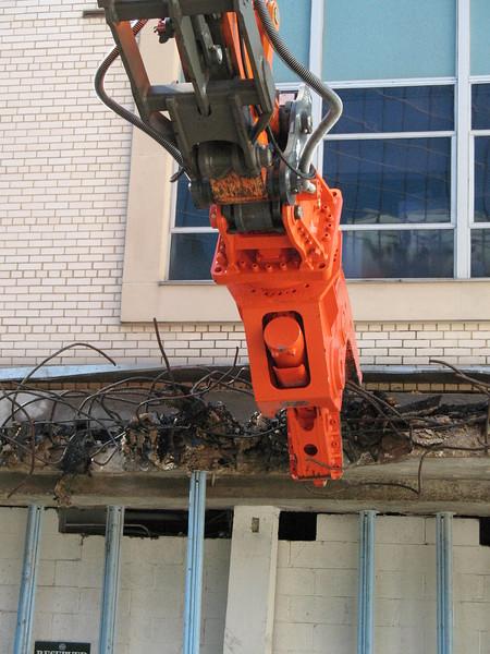 NPK U21JR concrete pulverizer on Hitachi excavator-commercial demolition (12).JPG
