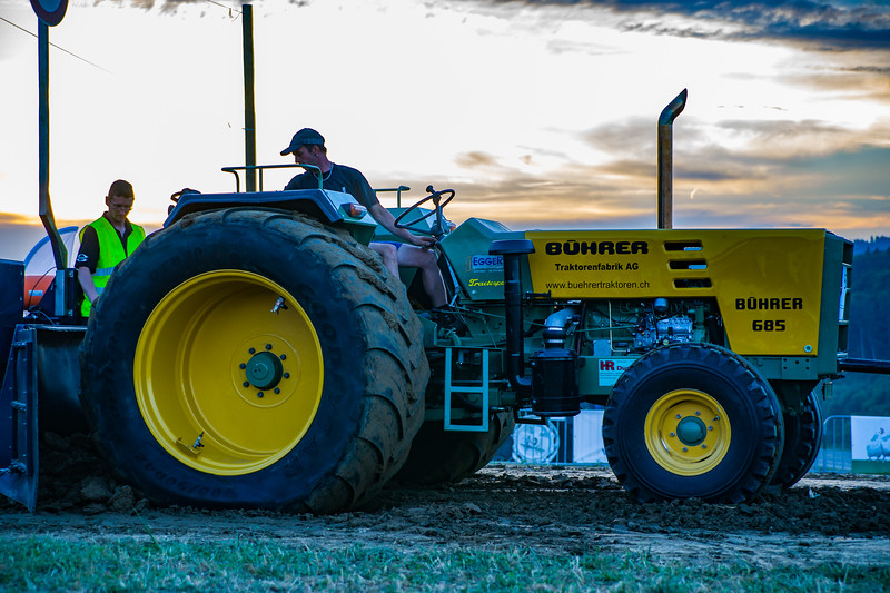Tractor Pulling 2015-01699.jpg