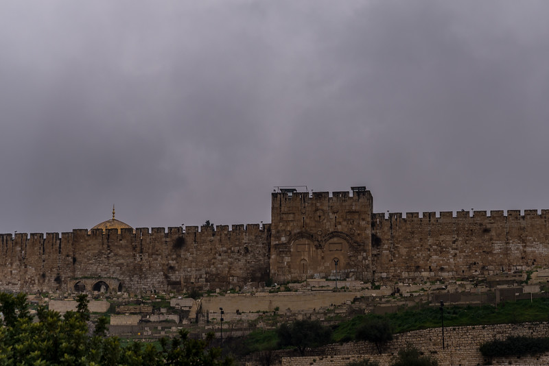 Porta Dourada vista do Monte das Oliveiras