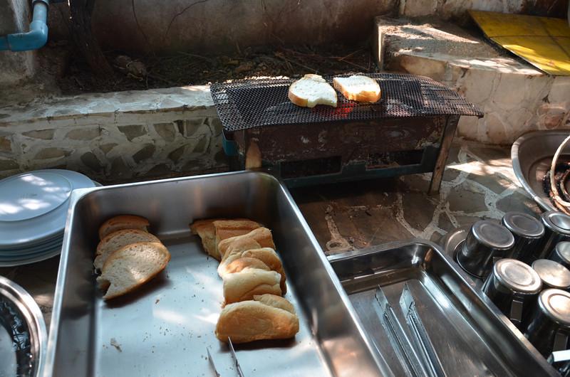 DSC_3465-white-house-hotel-breakfast-toast.JPG