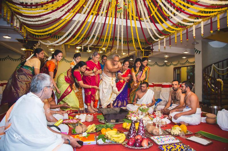 Bangalore-Wedding-Ganjam-brahmin-Sowmi-Ashwin-lightstory-09.jpg