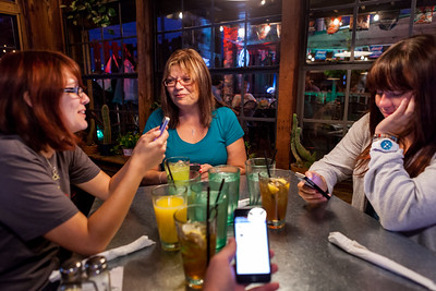 September 28  Emily's mom came into town for the weekend to visit, and we all had dinner at Ozona. Delish! It was a moderate step up from my breakfast of pizza and chocolate milk.