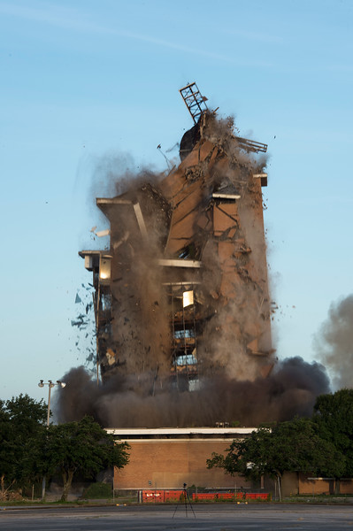 Skyscraper Bank Building Implosion_019.jpg