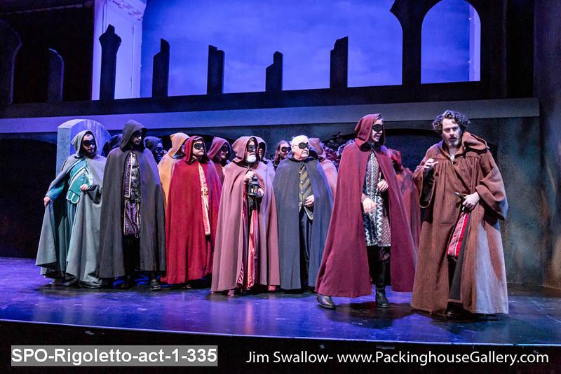 SPO-Rigoletto-act-1-335.jpg