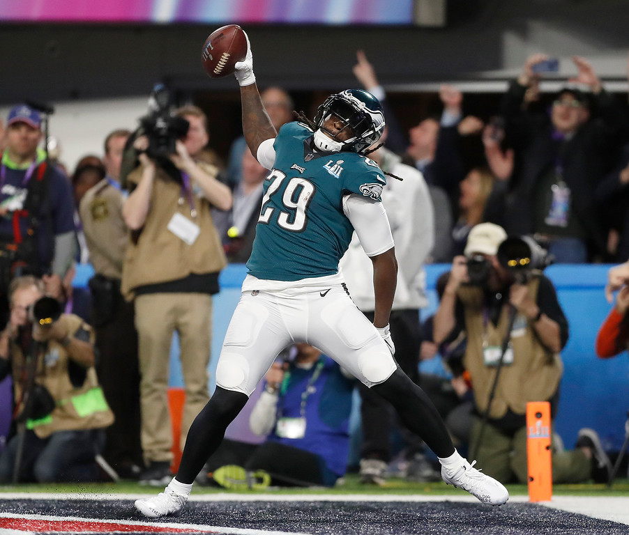 . Philadelphia Eagles\' LeGarrette Blount celebrates his touchdown run during the first half of the NFL Super Bowl 52 football game against the New England Patriots Sunday, Feb. 4, 2018, in Minneapolis. (AP Photo/Jeff Roberson)