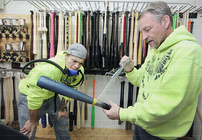 Viper Bat in Sedro-Woolley makes sluggers for both the little and big leagues