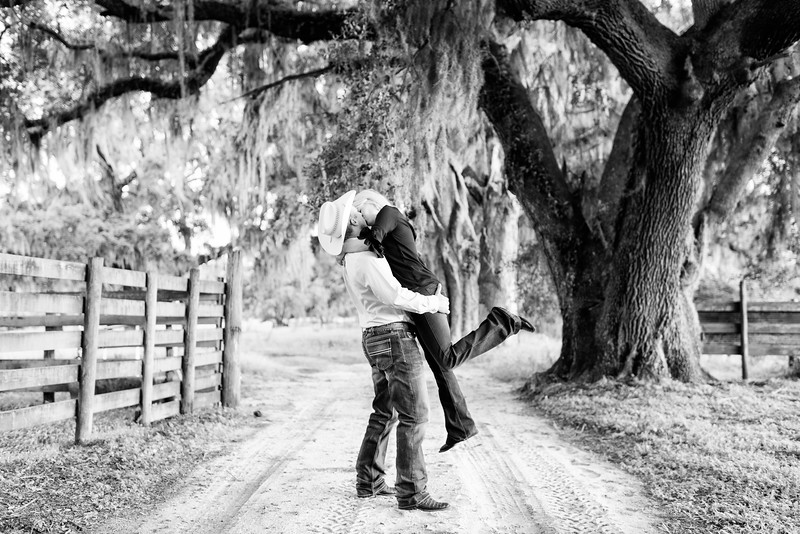 Breel Barthle Engagement 1 B&W (1 of 7).jpg