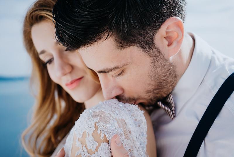 Tu-Nguyen-Wedding-Photography-Videography-Hochzeitsfotograaf-Engagement-Santorini-Oia-Greece-Thira-24.jpg