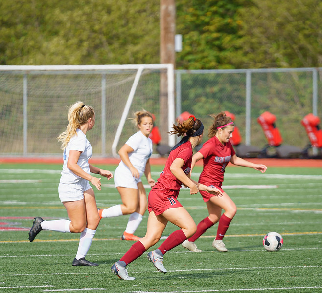 2019-09-28 Varsity Girls vs Meadowdale 120.jpg