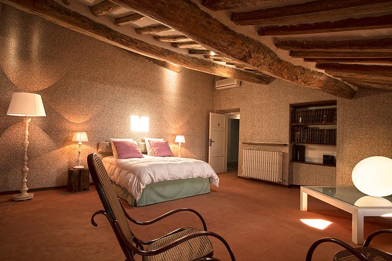 Bedroom Rosa, Mansarda (top floor)