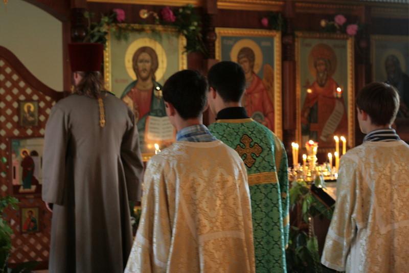 2009-Pentecost-Panikhida and All-Night Vigil-img_6420.jpg
