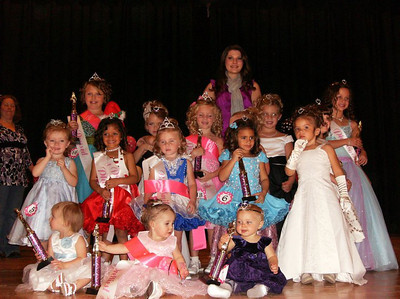 "Hope Sponsors ""Miss Hawkins County"" pageant"