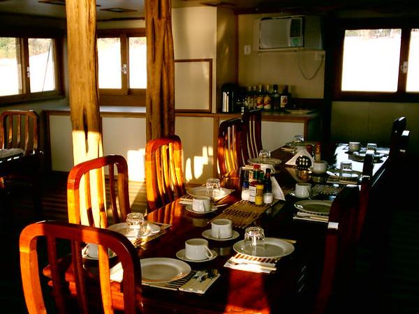 05-09-29 DINING ROOM.JPG