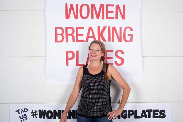 09.06.19_women Breaking Plates