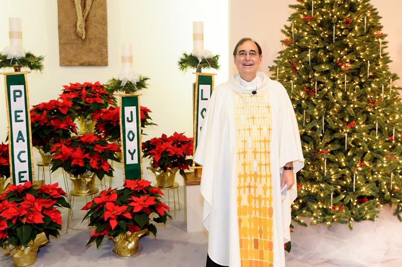 20151224 ABVM Christmas Eve Mass-6643.jpg