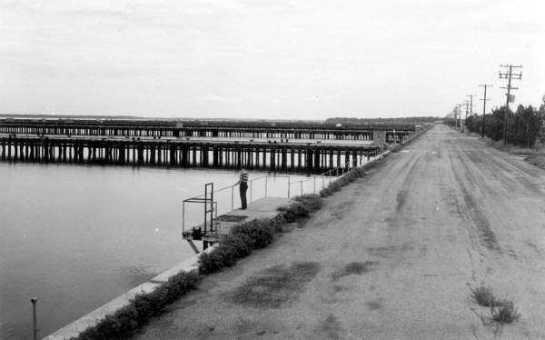 Pier2-1965.jpg