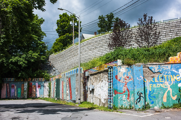 06-29-16-Green Street Wall
