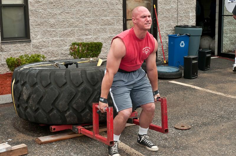 Fitness Revolution Strongman Challenge 2011_ERF3935.jpg